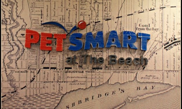 PetSmart's Grand Opening at the Beach – hockey fans rubbing elbows with Leaf Nation favourites Rick Vaive & Shayne Corson